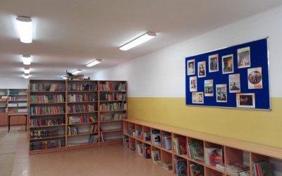 Książki czekają. Biblioteka szkolna zaprasza.